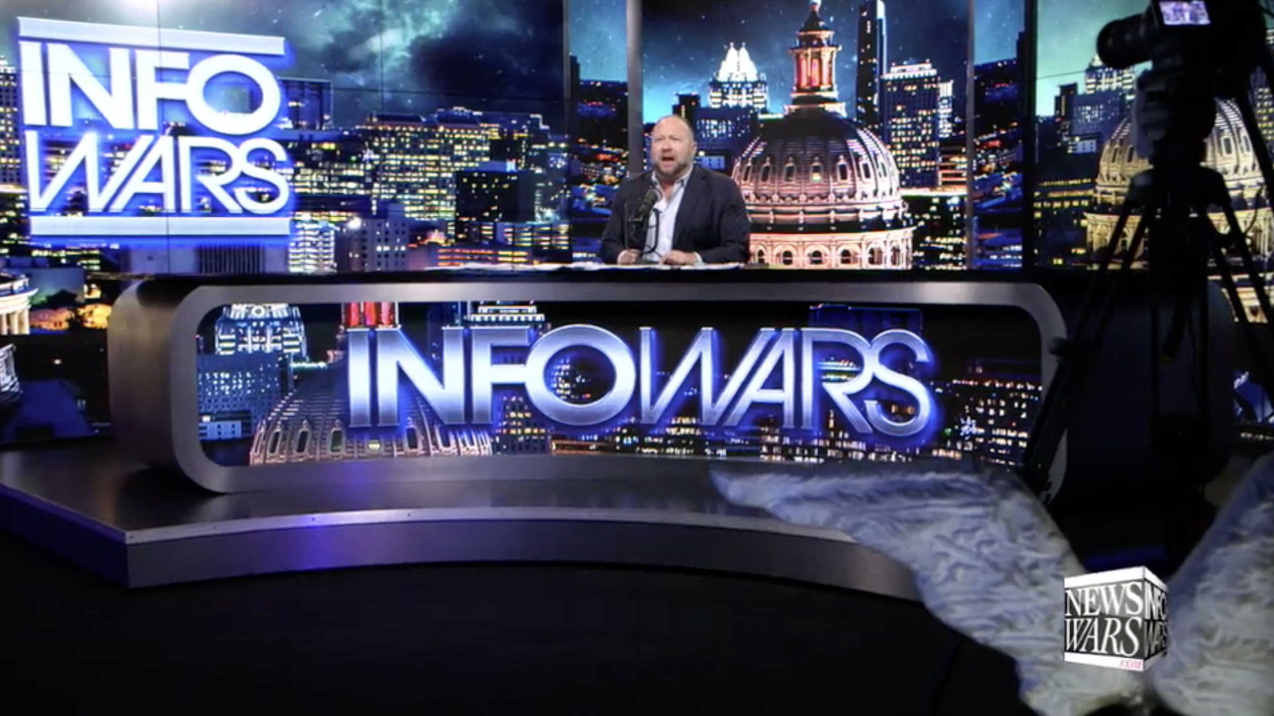Alex Jones Infowars Studio EXZM September 4th 2020 2